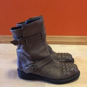 Latitude Femme brand ankle leather boots  in Italy